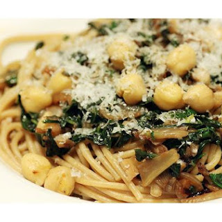 Pasta With Chickpeas and Kale.
