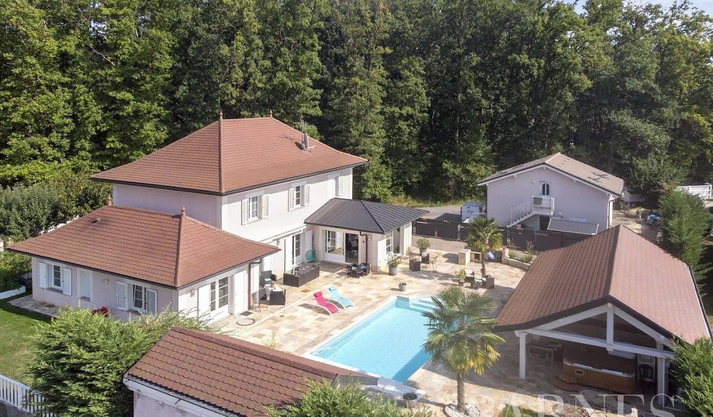 Property with garden Ornex
