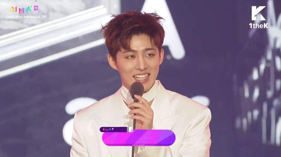 iKON B.I. winning Best Songwriter of the Year at Melon Music Awards 2019