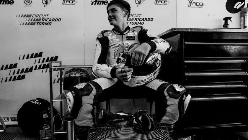 El joven piloto onubense ha perdido la vida en el circuito.