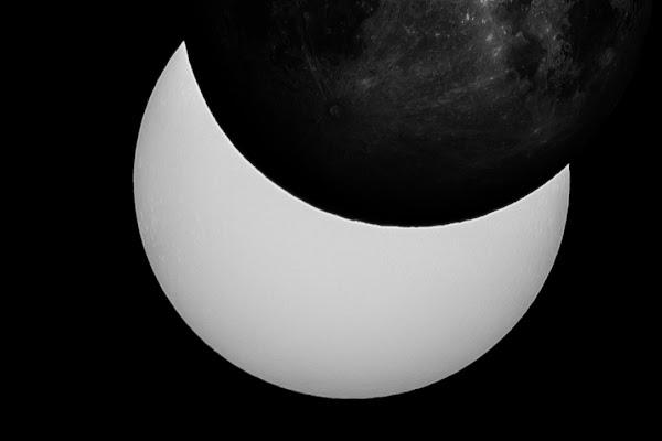 Eclipsed by the moon di MarcoGiorgi