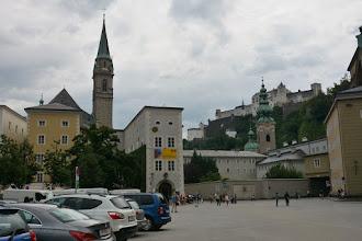 Photo: Po lewej w głębi widoczny Klasztor św. Piotrazałożony przez św. Ruperta w 696 roku.Najstarszy, do dziś istniejący, klasztor benedyktynów na terenie niemieckojęzycznym.