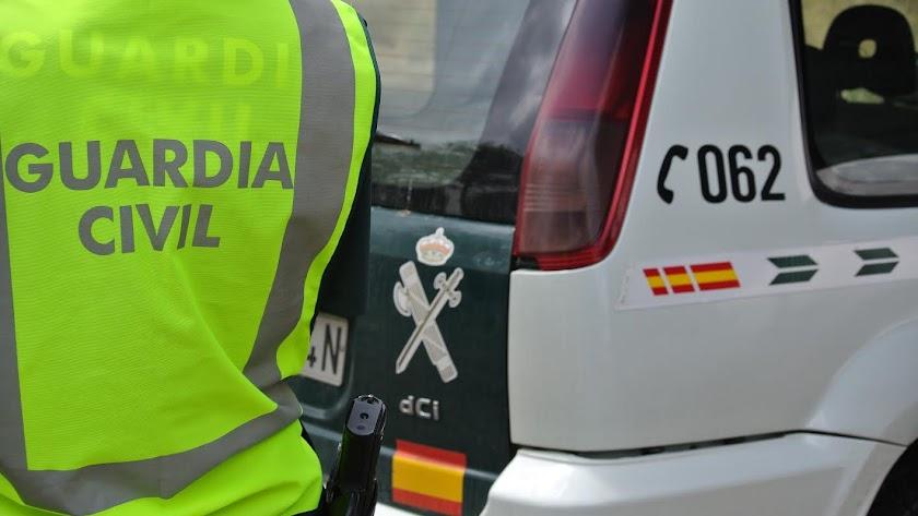 La Guardia Civil acudió al domicilio tras el aviso de los niños.