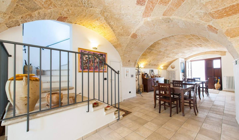 Villa with terrace Parabita