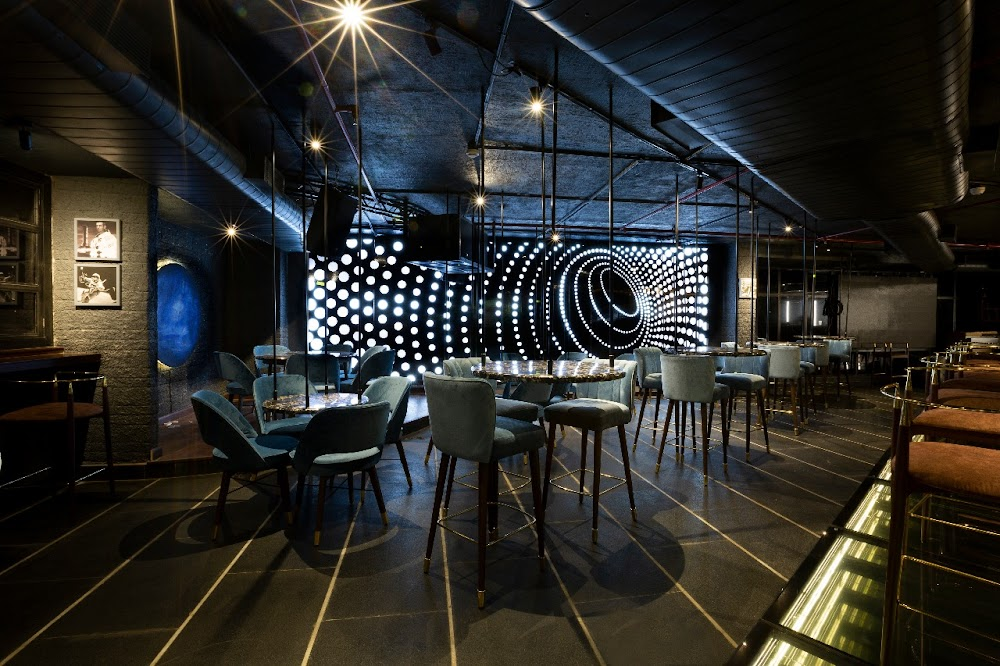 theme_restaurants_Gurgaon_gravity_spacebar_image