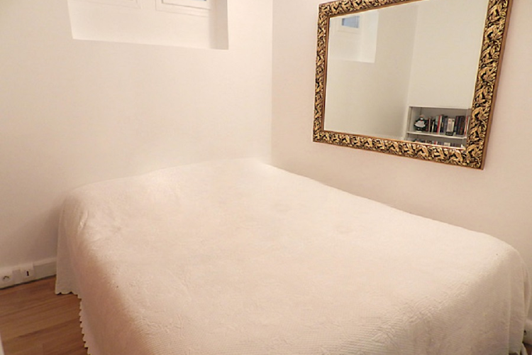 Luxury bedroom at In Lourve and Les Halles