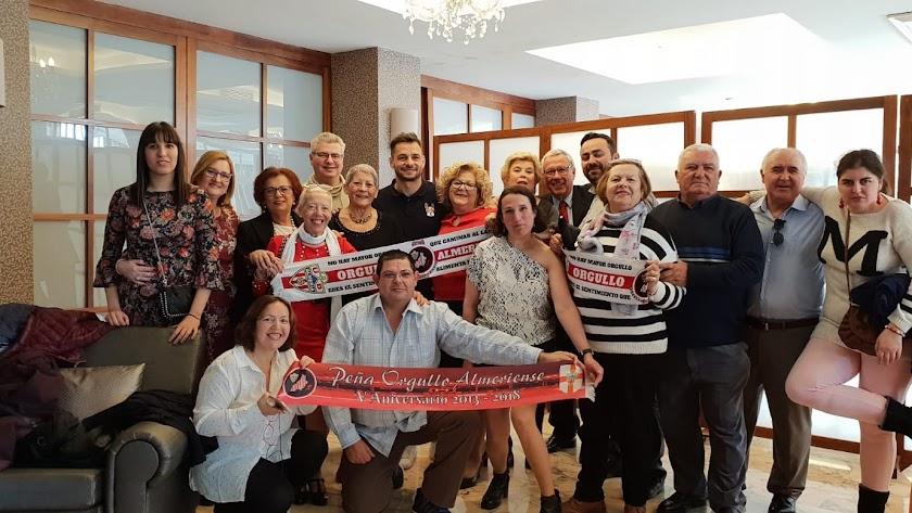 Peña Orgullo Almeriense con invitados muy especiales.
