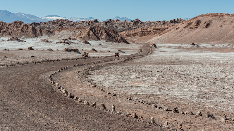Road at Moon Valley - Chile di laurafacchini