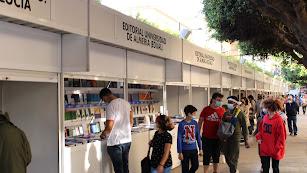 El Paseo de Almería acoge la 41º edición de la Feria del Libro de Almería.