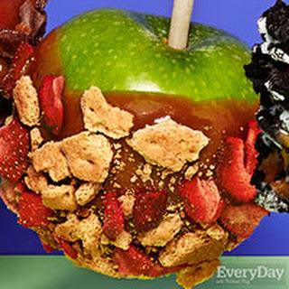Strawberry Crisp Caramel Apples