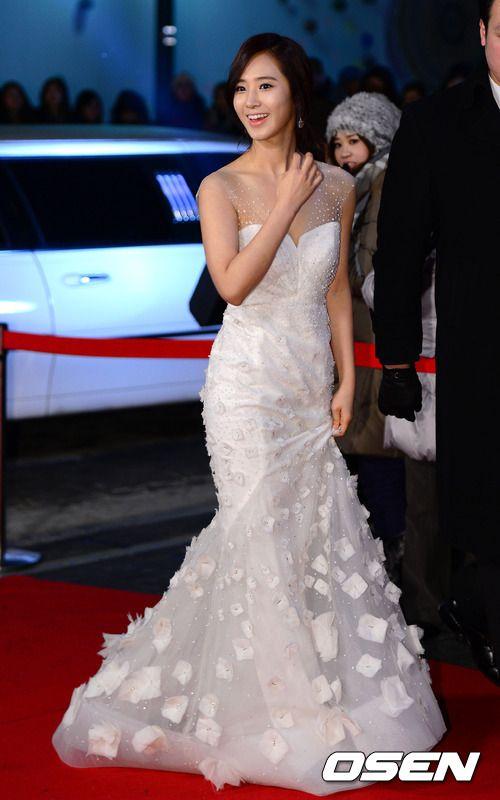 yuri gown 9