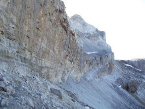 Photo: El paso de los sarrios, amb el Casco