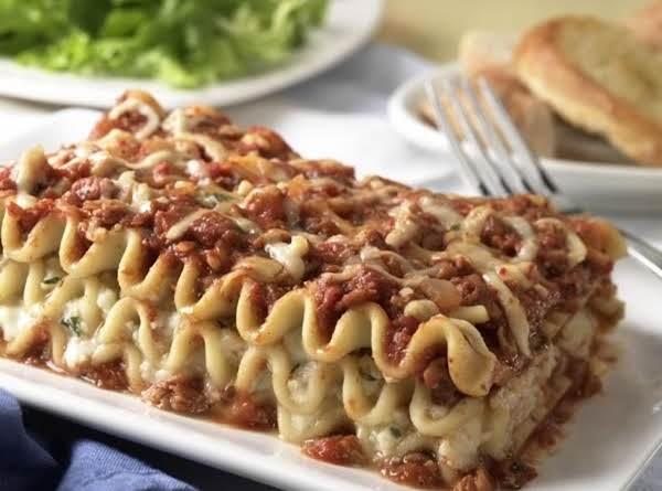 Tina (cat) Lasagne