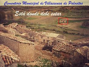 Photo: Está donde debe estar. A pesar de que todo su entorno natural e histórico haya sido impunemente arrasado.