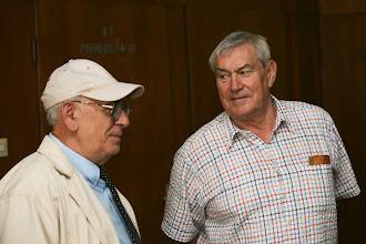 Photo: Zsótér Bertalan gondnok (jobbra)