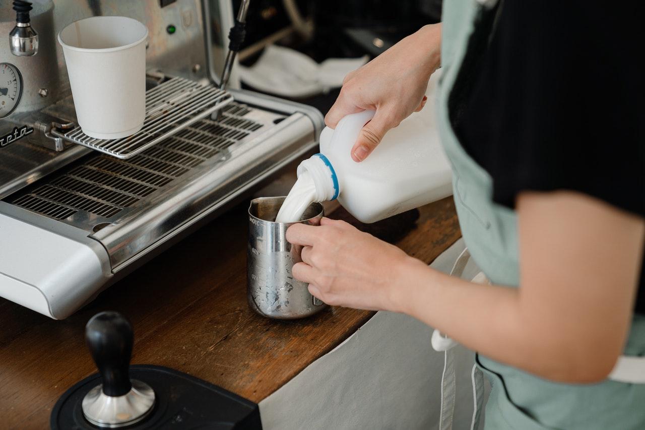 Какое молоко выбрать для кофейни