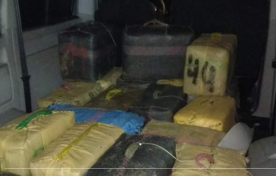 La Guardia Civil interviene un vehículo cargado con 637 kgrs de hachís en Tarifa