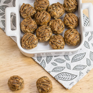 Mulberry-Hemp Energy Balls