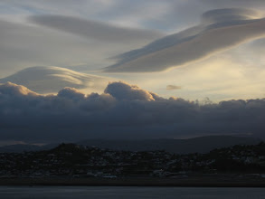 Photo: Lenticular clouds above the eastern hills of Wellington - 7:27am, 10-Mar-05
