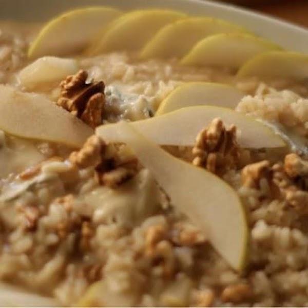 Risotto With Gorgonzola, Pear And Walnuts Recipe