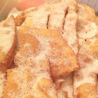 Coscorões/Portuguese fried dough
