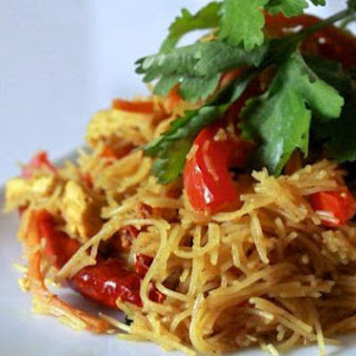 Singapore Style Vermicelli Noodles.