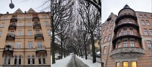 Photo: De statige Narvavågen(laan) (Östermalm) is de toegangsweg tot Djurgården
