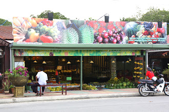 Photo: Year 2 Day 104 -  Fruit Stall in Cenang