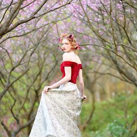 Bride(12) by 敬昕 涂 - Wedding Bride ( beautiful, 敬昕 涂, beauty, larissa, portrait, 涂敬昕, people )