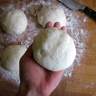 No-Knead Neapolitan-Style (Sourdough) Pizza Dough Recipe