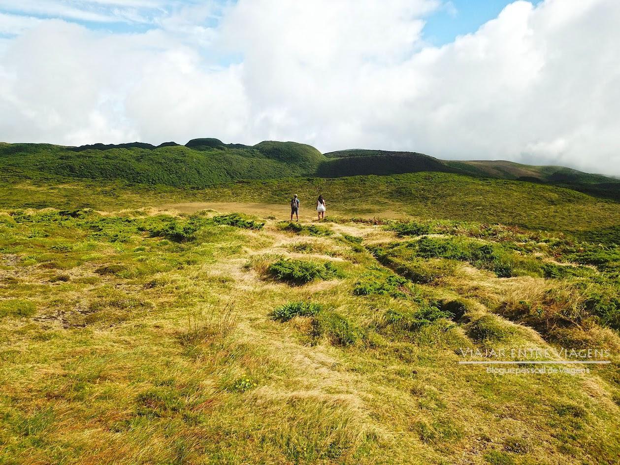 Subir ao topo da Serra de Santa Bárbara, na ilha Terceira