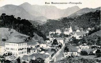 Photo: Rua Montecaseros. Ao fundo, Igreja do Sagrado Coração de Jesus e, à esquerda, Colégio Santa Catarina. Foto sem data