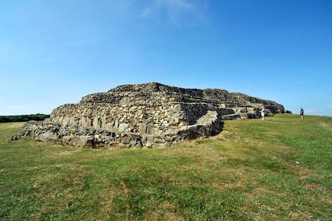 Barnenez | The oldest buildings on Earth - Travel