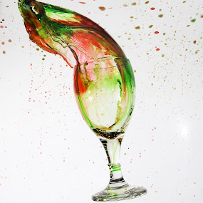 Fullcolor by Gilang Ariefian Gutama - Artistic Objects Glass ( water, red, color, green, white, glass )