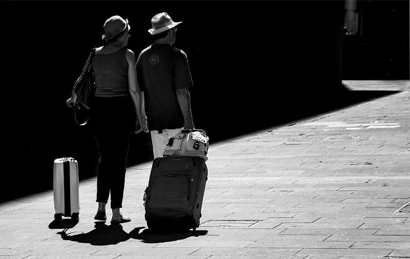 Holidays with sun di Nevio Saule
