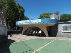 Photo: Colégio Estadual Tiradentes, Construido na década de 1950