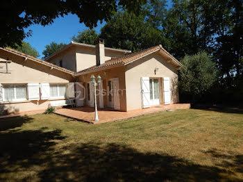 maison à Villecomtal-sur-Arros (32)