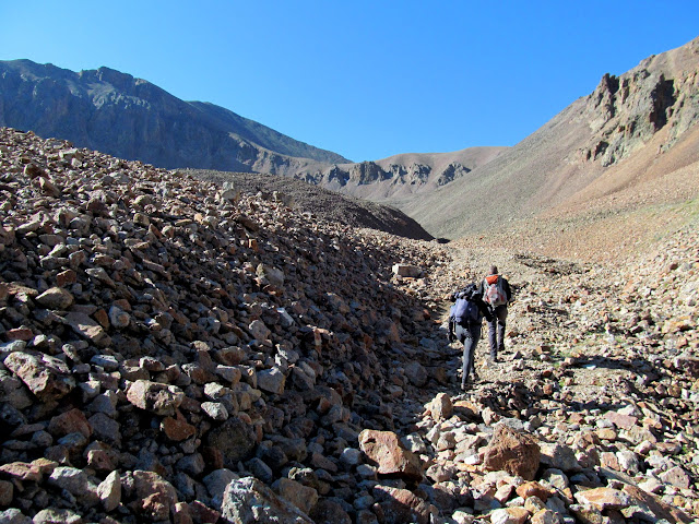 Rocky approach to the couloirs