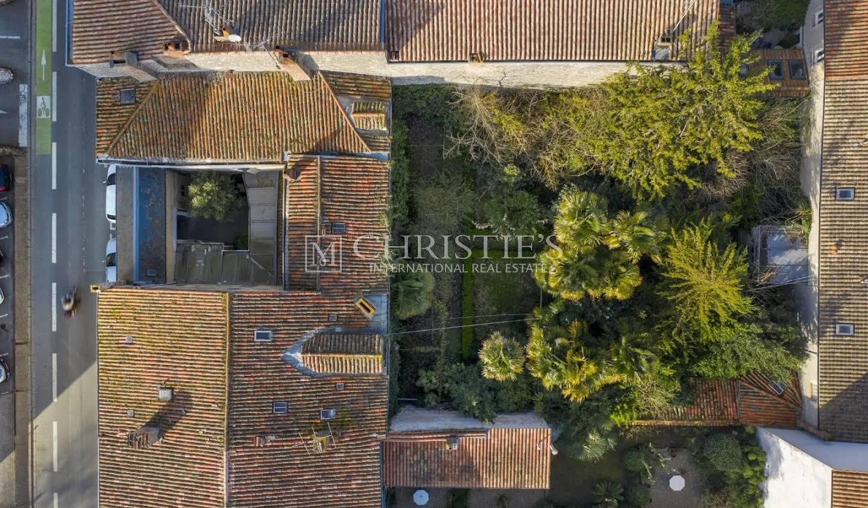 Private mansion with garden La Rochelle