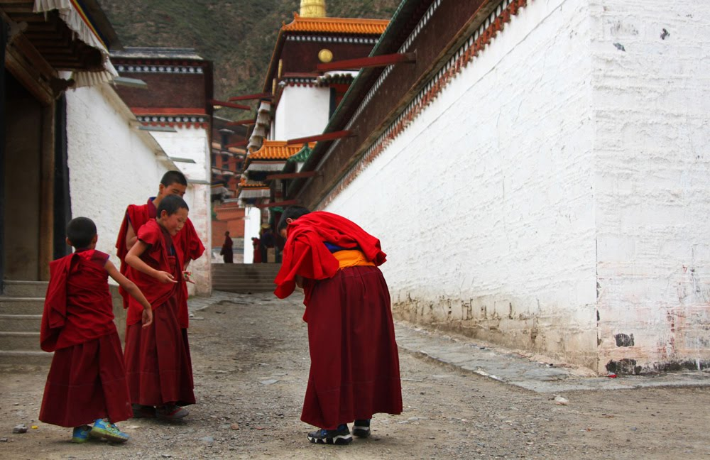 O MOSTEIRO DE LABRANG (AMDO) Budismo tibetano em Xiahé | China