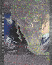 Photo: NOAA 19 northbound 34W at 30 Sep 2012 20:20:02 GMT on 137.10MHz, HVCT enhancement, Normal projection, Channel A: 2 (near infrared), Channel B: 4 (thermal infrared)