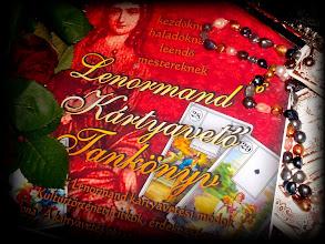 """Photo: LENORMAND36 KÁRTYAVETŐ TANKÖNYV * Lenormand36 Cartomancy School Book by Éva Ilona * A/4 méret, 200 oldal, Ár: 6900- + 600-Ft postaköltség. Volt és jelenlegi Tündérképzős tanítványoknak 4900- + 600- Ft postaköltség. * E-KÖNYV pdf formátumban 2900- Ft. Megrendelés sms-ben illetve telefonon: 06 70 31-45-911 (sms-ben írja meg a postázási címet is). * Megrendelés e-mail-ben: evailona.royalsybilla@gmail.com* Postázás előreutalás illetve csekkes befizetés után.* Bankszámlaszám: Raiffeisen 12011526 00326370 00100000 * Csekkes befizetésnél a """"címzett"""" rovatba a bankszámlaszámot írja. * Íme egy kártyavető tankönyv, mely lépésről lépésre bevezeti az olvasót a jövendőmondás és a múltidézés fantasztikus világába. Éva Ilona kártyavető mester világos, érthető magyarázataival, gyakorlati bemutatóival eljuthatunk a kártyavetéstan alapjaitól akár a mesteri szintig is. A könyv leírásai, elemzései által magunk is az okkultizmus titkos világának a beavatottjaivá válunk, mert e kiváló alkotás maga a beavatás útja. * www.lenormand.hu"""