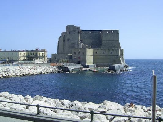Ai piedi del Castello del Mare di D'ALESSIO