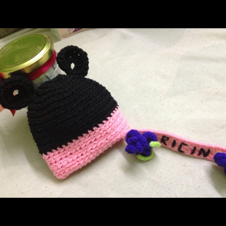 Minnie mouse baby beanie by Ricincraft