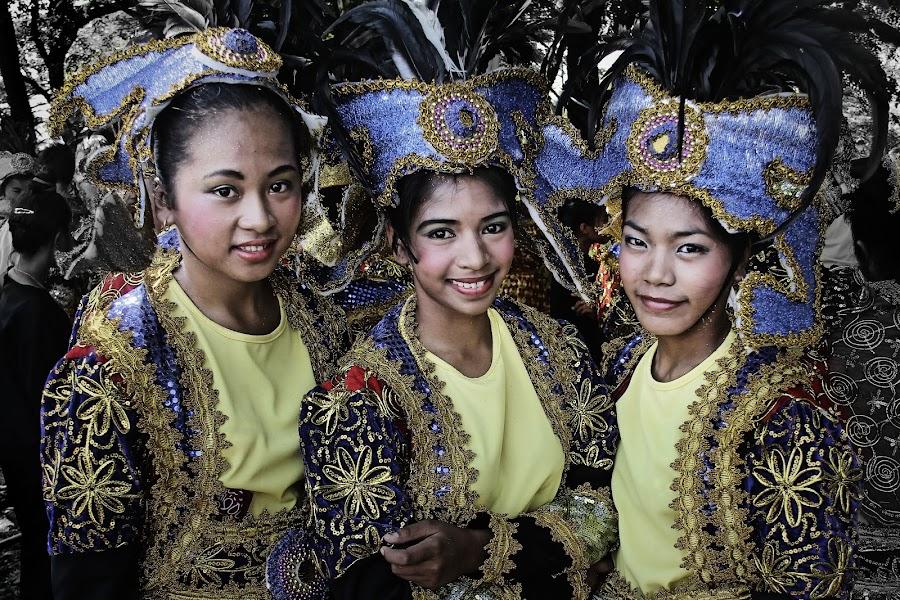 Aliwan Dancers by Jimmy Hilario - People Musicians & Entertainers ( girls, dancers, aliwan, children, street dancing, entertainers, festival, kids, manila, philippines,  )