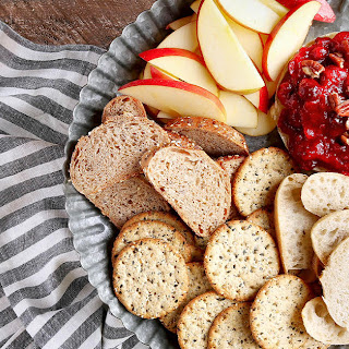 5-ingredient Baked Brie With Cranberry Sauce.
