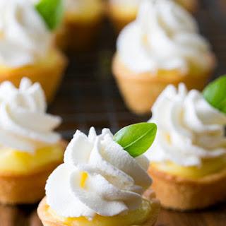 Tartlets with Lemon Curd and Whipped Cream (Korzinki) Recipe