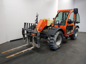 Picture of a JLG L2906H