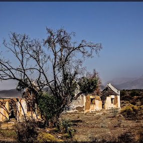 Old house in the Karoo by Elna Geringer - Buildings & Architecture Decaying & Abandoned