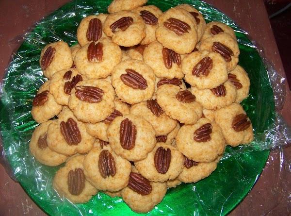 Grandma's Cheesy Pecan Bites Recipe